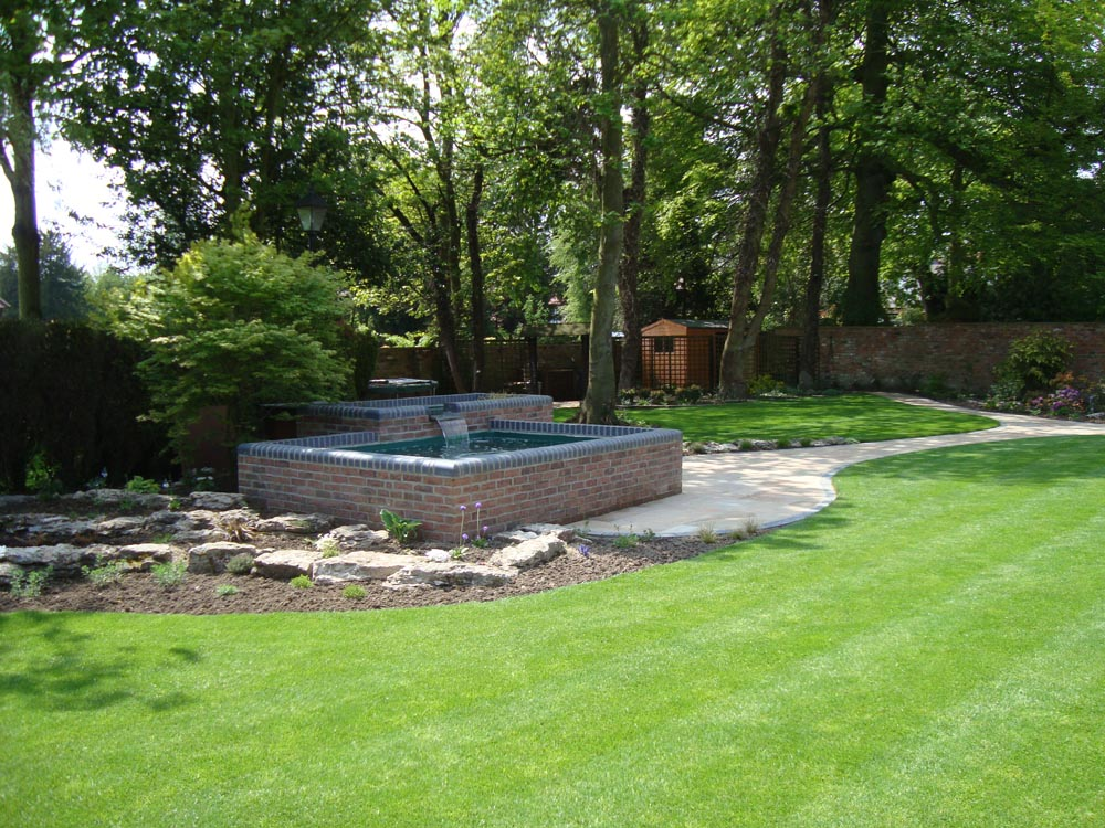 Services landscaping hull jr turnbull ltd jr turnbull ltd has been maintaining and installing high quality landscaped gardens across hull and surrounding areas for over 40 years workwithnaturefo